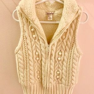 Cable Knit Sweater Vest with Sherpa Lining